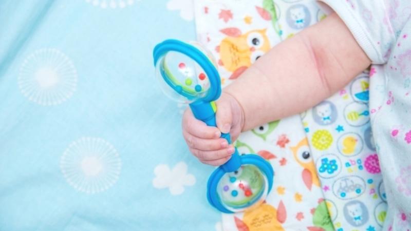 赤ちゃんのおもちゃガラガラ